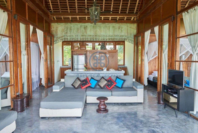2 bedrooms villa beachfront sunset view balian for sale rent 15