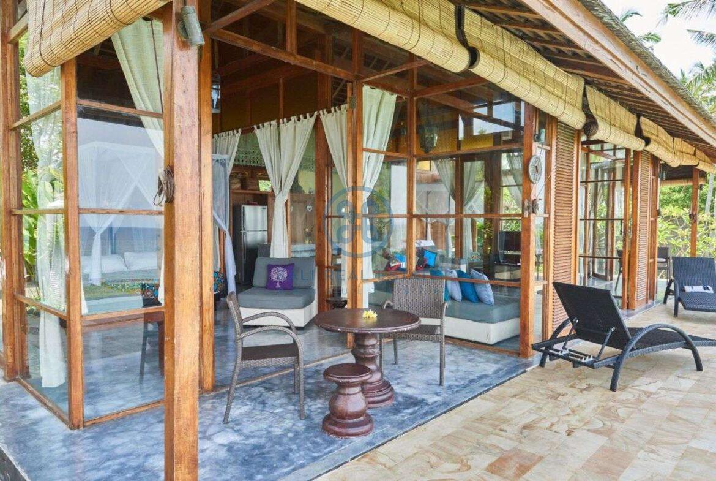2 bedrooms villa beachfront sunset view balian for sale rent 17
