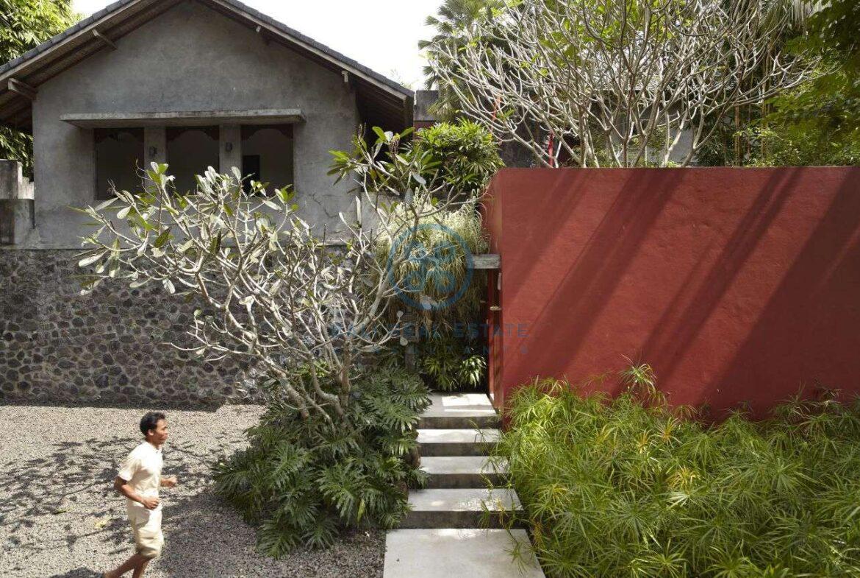 2 bedrooms villa estate river view ubud for sale rent 30