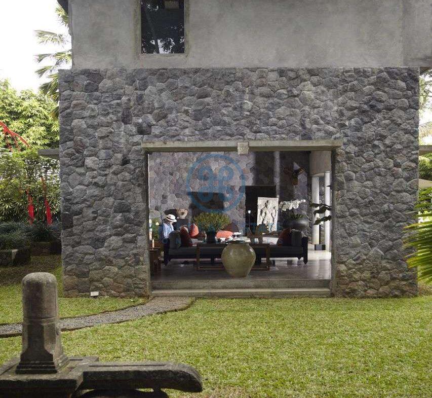 2 bedrooms villa estate river view ubud for sale rent 38