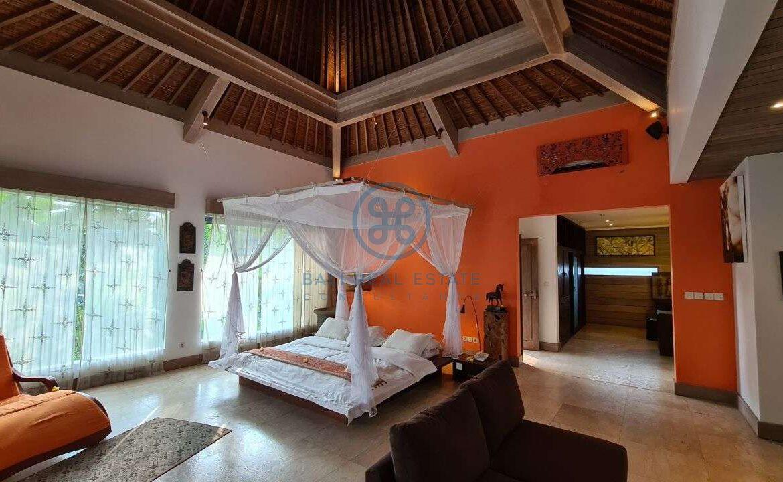 26 bedrooms modern villa investment ubud for sale rent 12