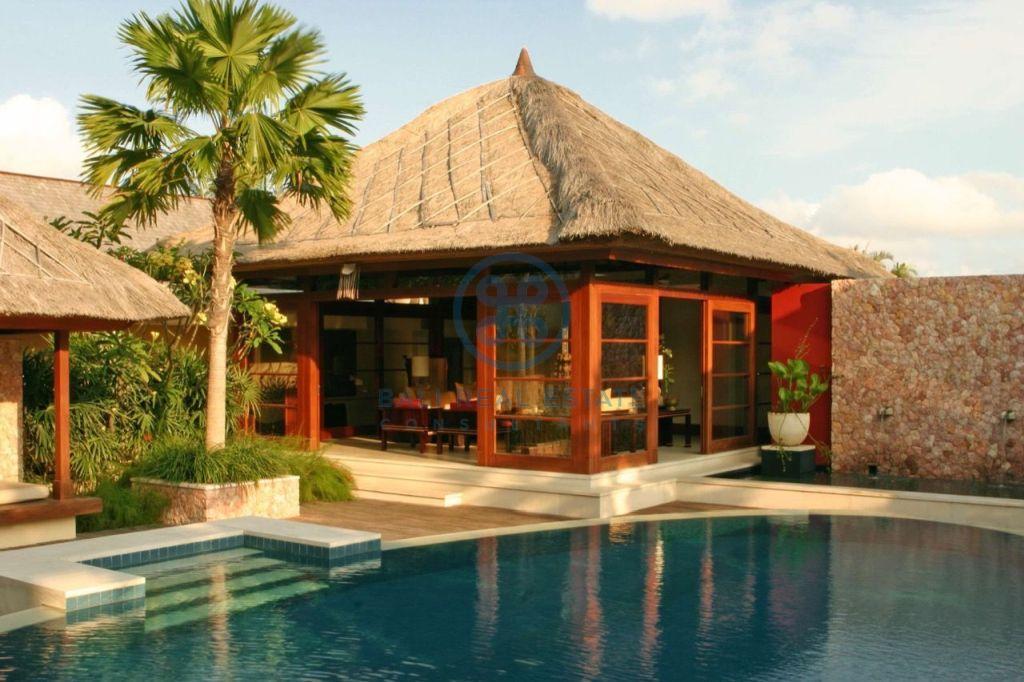 3 bedroom project villa seminyak for sale rent 3