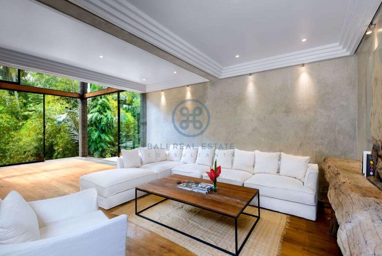3 bedrooms designer villa in exclusive community ubud for sale rent 1