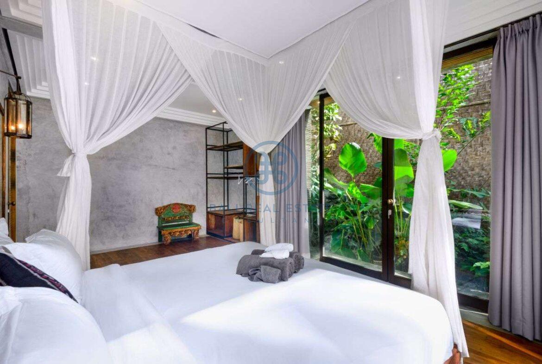 3 bedrooms designer villa in exclusive community ubud for sale rent 10