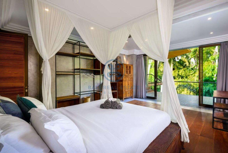 3 bedrooms designer villa in exclusive community ubud for sale rent 8