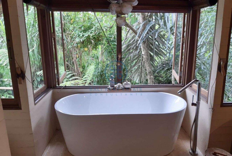 3 bedrooms eco villa with amazing surroundings ubud for sale rent 21