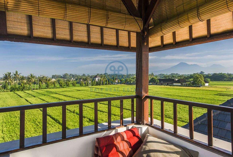 3 bedrooms villa bali style ricefield view kedungu for sale rent 16