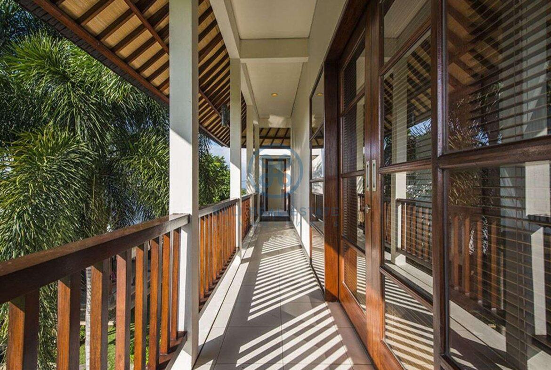 3 bedrooms villa bali style ricefield view kedungu for sale rent 19