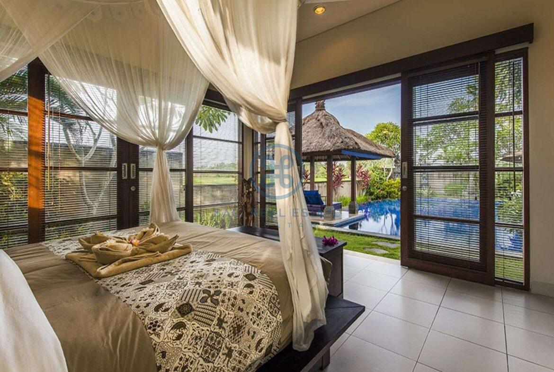 3 bedrooms villa bali style ricefield view kedungu for sale rent 27
