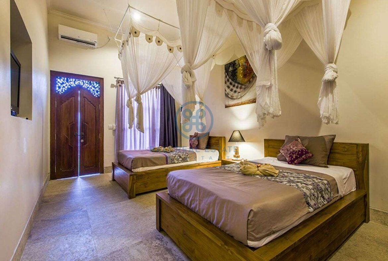 3 bedrooms villa bali style ricefield view kedungu for sale rent 28