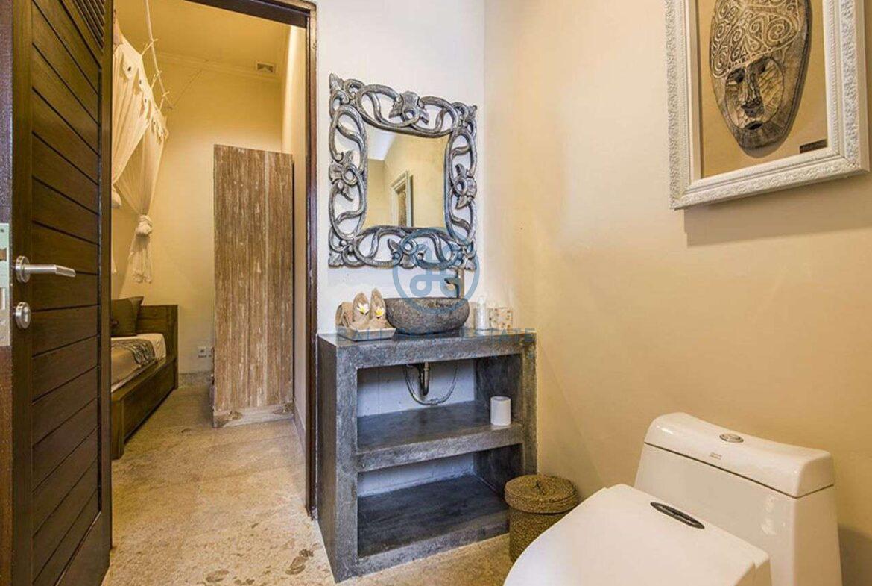 3 bedrooms villa bali style ricefield view kedungu for sale rent 29