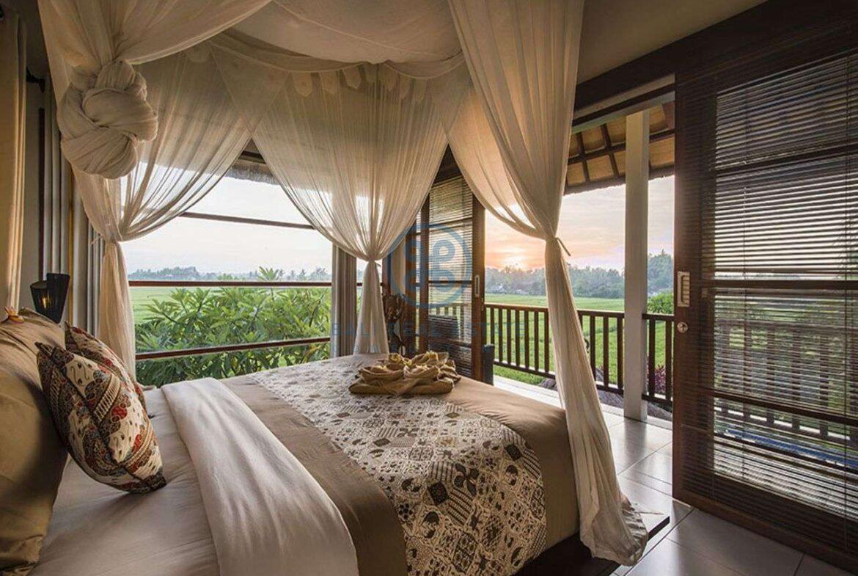 3 bedrooms villa bali style ricefield view kedungu for sale rent 4