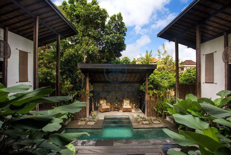 3 bedrooms villa in central ubud for sale rent 11