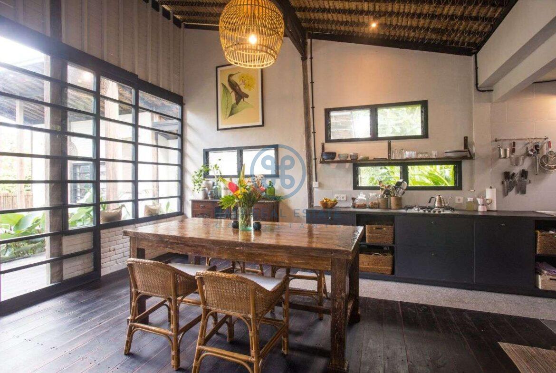3 bedrooms villa in central ubud for sale rent 23