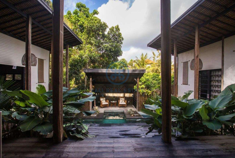 3 bedrooms villa in central ubud for sale rent 28