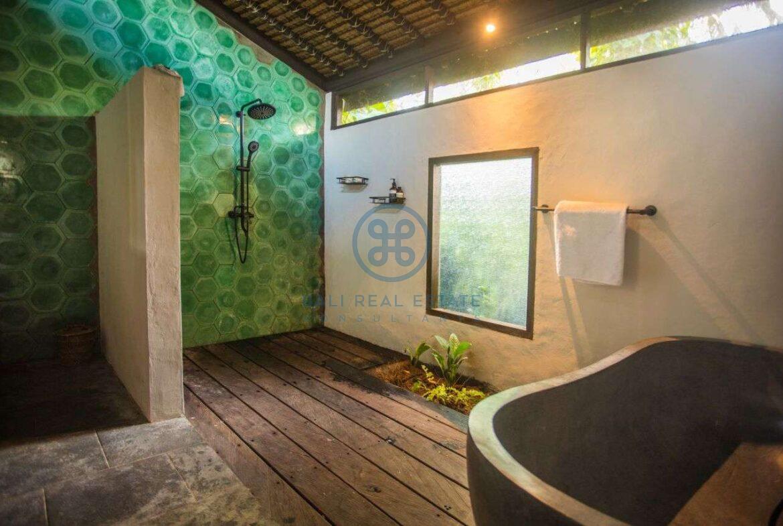 3 bedrooms villa in central ubud for sale rent 52