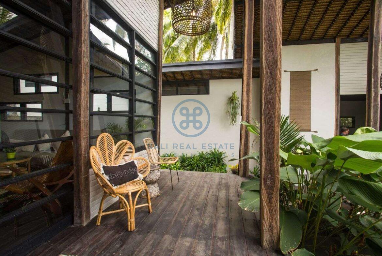 3 bedrooms villa in central ubud for sale rent 9