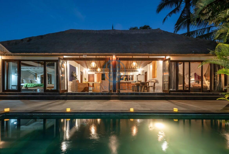 3 bedrooms villa overlooking river sayan ridge ubud for sale rent 1