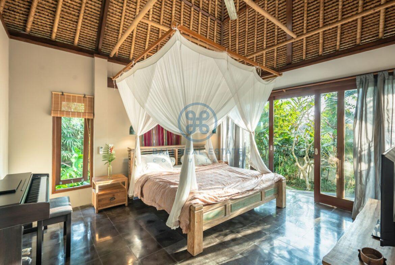 3 bedrooms villa overlooking river sayan ridge ubud for sale rent 2