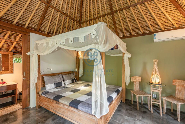 3 bedrooms villa overlooking river sayan ridge ubud for sale rent 5