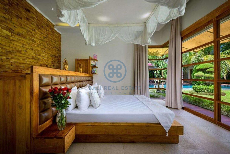 4 bedroom family home villa umalas for sale rent 12