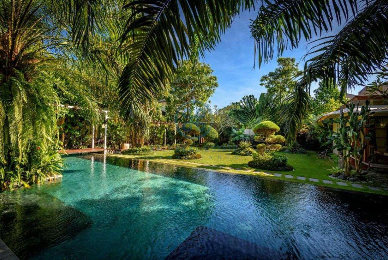 4 bedroom family home villa umalas for sale rent 6