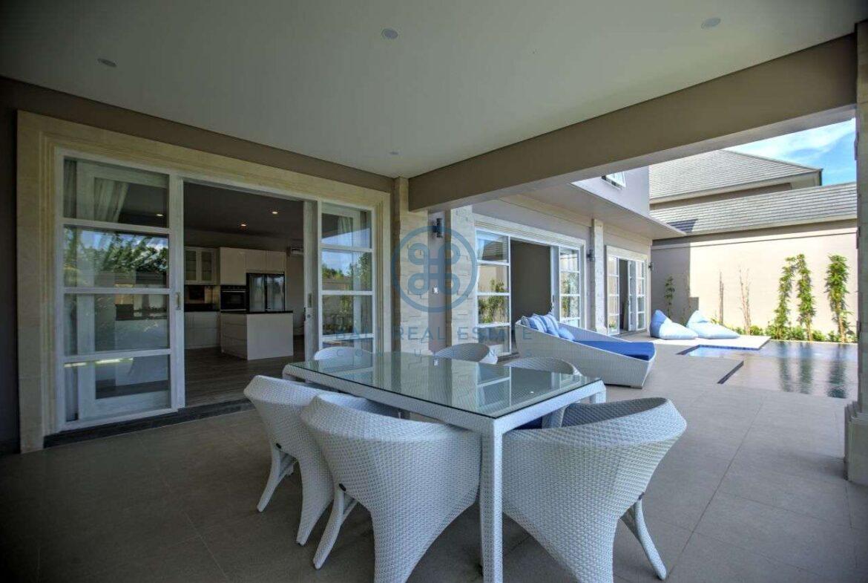 4 bedroom villa beachside sanur for sale rent 2