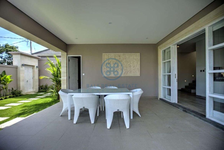 4 bedroom villa beachside sanur for sale rent 3