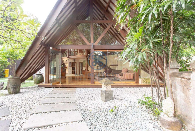 4 bedrooms designer villa seminyak for sale rent 10 scaled