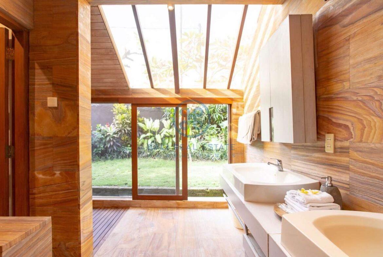 4 bedrooms designer villa seminyak for sale rent 17 scaled