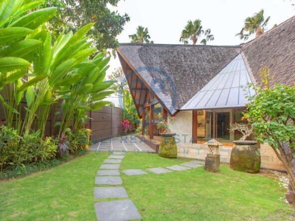 4 bedrooms designer villa seminyak for sale rent 2 scaled