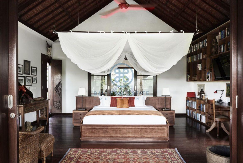 4 bedrooms villa estate moutain view ubud for sale rent 12
