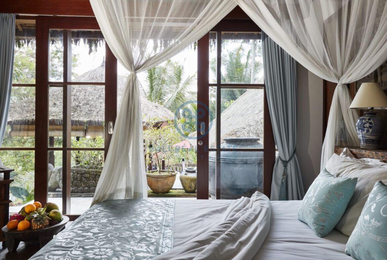 4 bedrooms villa estate moutain view ubud for sale rent 13