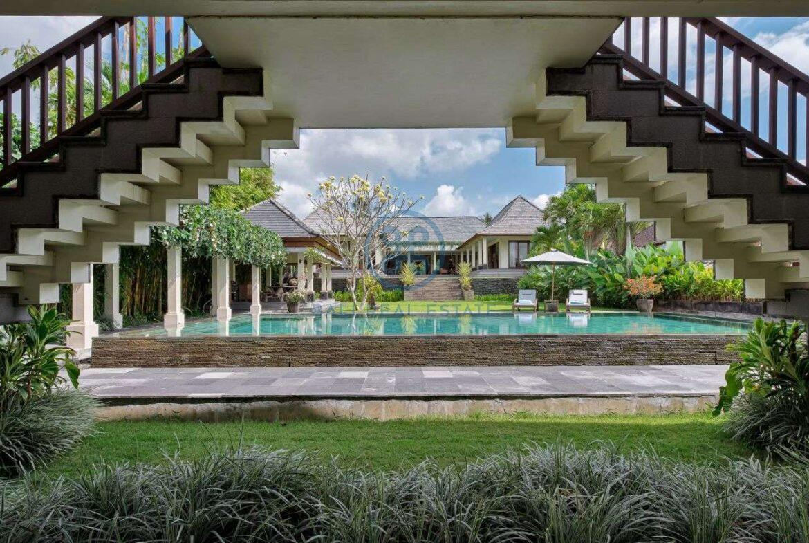4 bedrooms villa mansion ricefield valley view ubud for sale rent 1