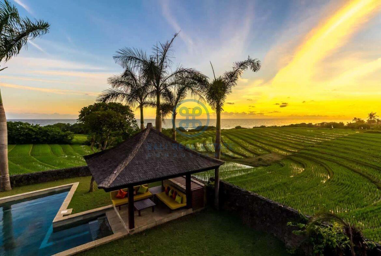 4 bedrooms villa ricefield ocean view beraban for sale rent 14 scaled