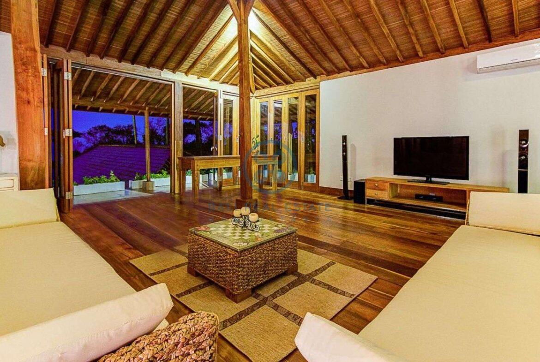 4 bedrooms villa seaside balian for sale rent 15