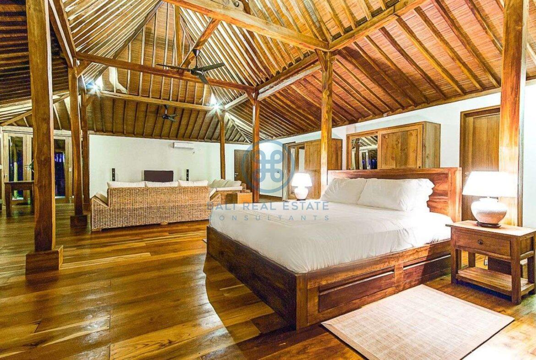 4 bedrooms villa seaside balian for sale rent 6