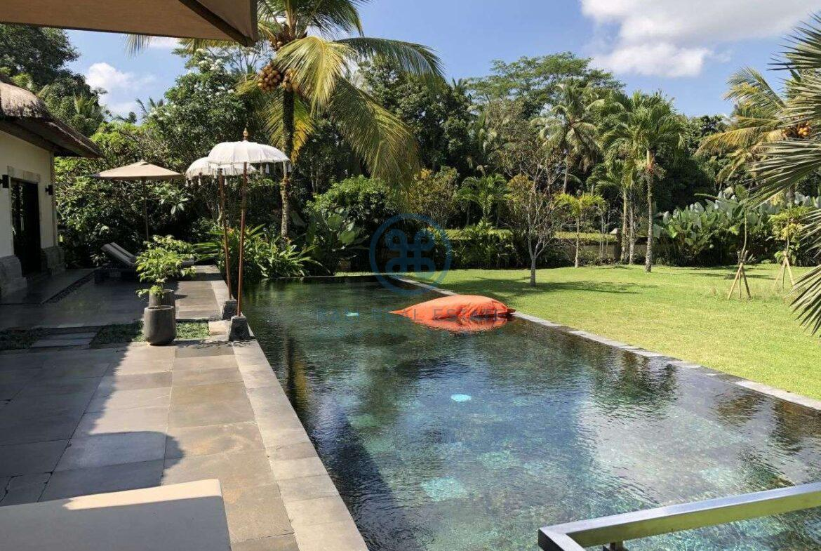 4 bedrooms villa with infinity pool ubud for sale rent 38