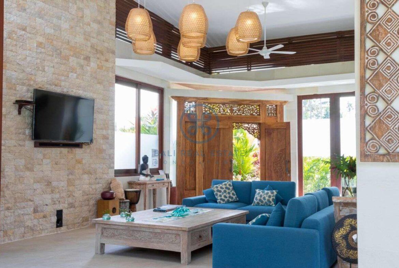 4 bedrooms villa with professional music studio ubud for sale rent 11