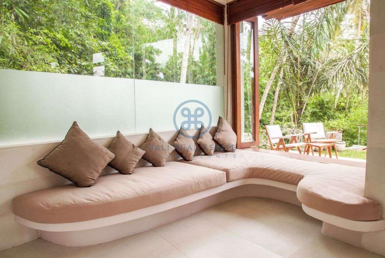 4 bedrooms villa with professional music studio ubud for sale rent 15