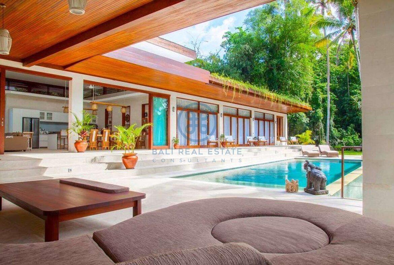 4 bedrooms villa with professional music studio ubud for sale rent 24