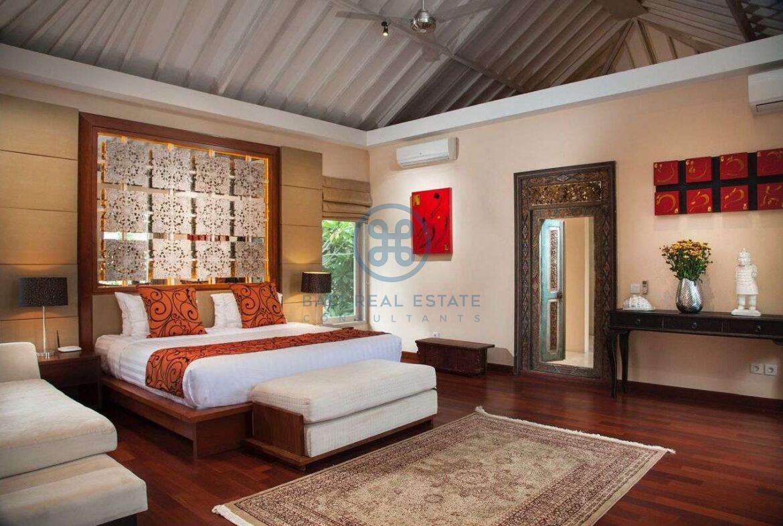 5 bedroom villa beachside sanur for sale rent 10 1