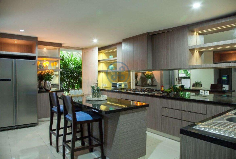 5 bedroom villa beachside sanur for sale rent 13 1