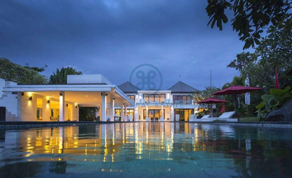 5 bedrooms contemporary seaside villa bali cemagi for sale rent 11