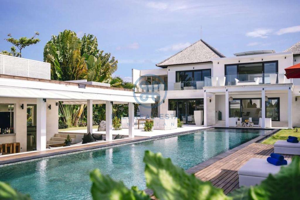 5 bedrooms contemporary seaside villa bali cemagi for sale rent 2