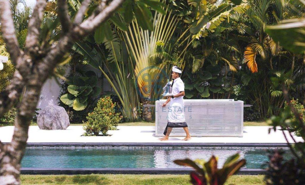 5 bedrooms contemporary seaside villa bali cemagi for sale rent 4