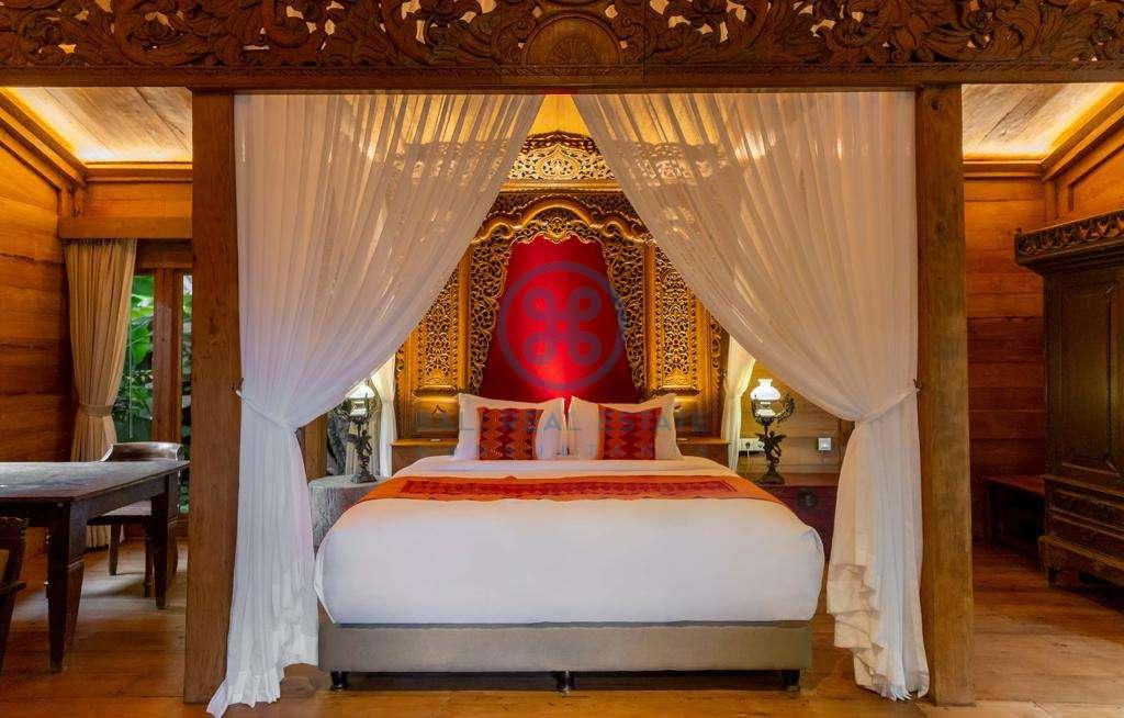 5 bedrooms traditional villa bukit area for sale rent 14