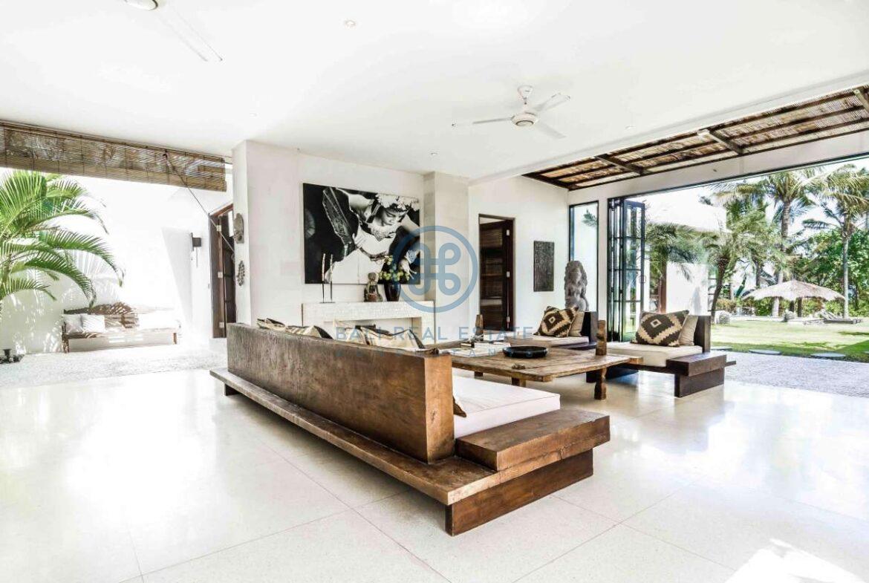 5 bedrooms villa beachfront tabanan for sale rent 33