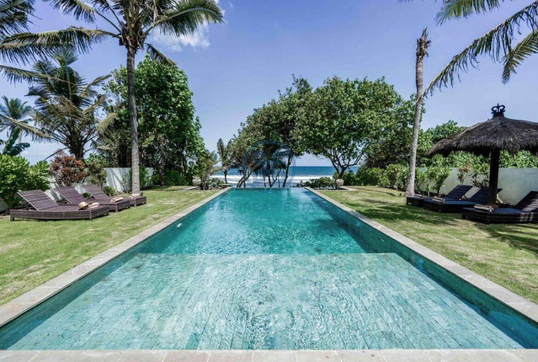 5 bedrooms villa beachfront tabanan for sale rent 38