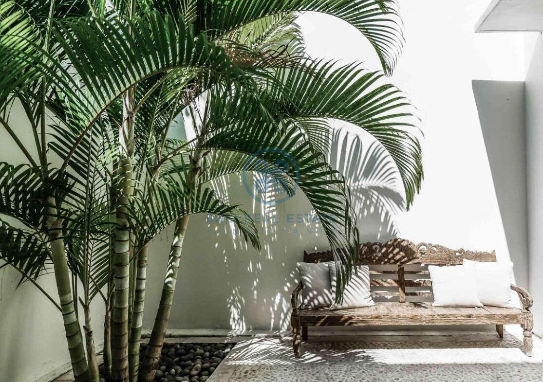 5 bedrooms villa beachfront tabanan for sale rent 41